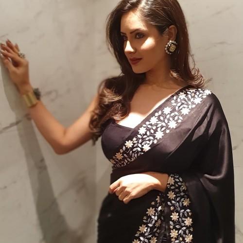 puja-banerjee-hot-photos-saree-actress-paap-web-series-1-1.jpg